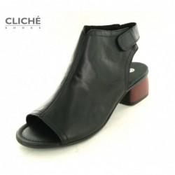 Nadměrné černé sandály,...