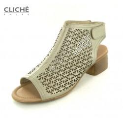 Nadměrné zlaté sandály,...