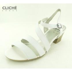 Bílé nadměrné sandále na...