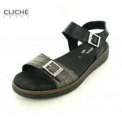 Nadměrné černé sandálky na...