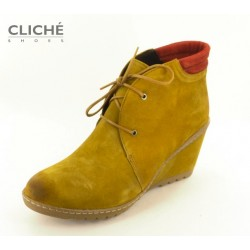 Kotníčkové boty na klínu,...