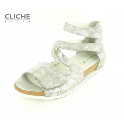 Stříbrné nadměrné sandále...